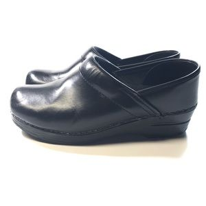 Dansko leather clog professional/ nurse shoes